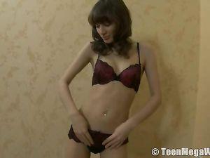 Great Tits On This Skinny Teen Brunette Masturbating
