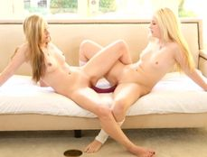 Christmas Creampie For The Teen Threesome Beauty