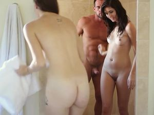 Horny Brunette Princesses In Shower Before Fucking