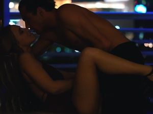 Passionate Couple Makes Erotic On A Beautiful Night